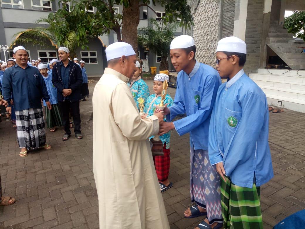 Upacara Pemberian Hadiah Perdana Dalwa Ba'alawi
