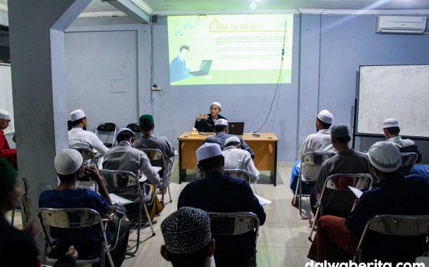 Workshop Season 2, LPM Dalwa Bahas Kepenulisan Berita