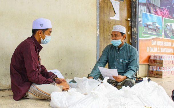 Jelang Akhir Ramadhan, Dalwa Fasilitasi Pembayaran Zakat Santri